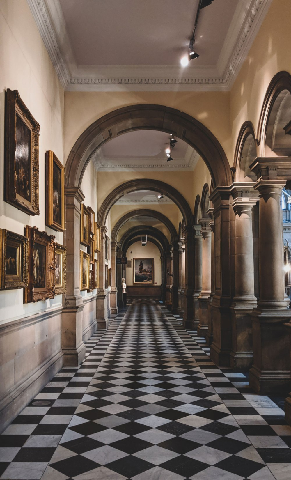 Kelvingrove-Art-Gallery-and-Museum-Glasgow (14)