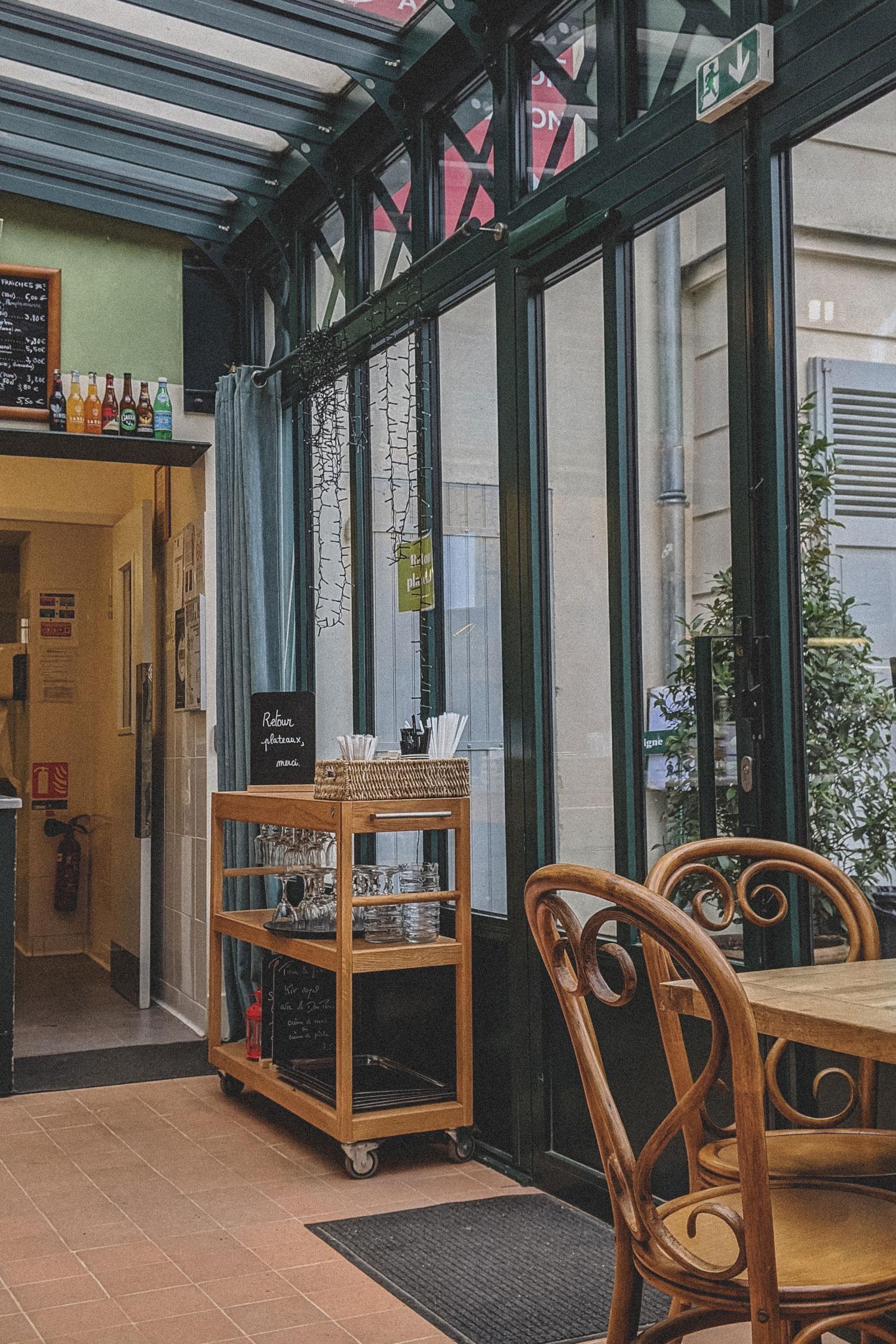 Cafe-Renoir-Musee-de-Montmartre-Paris (1)