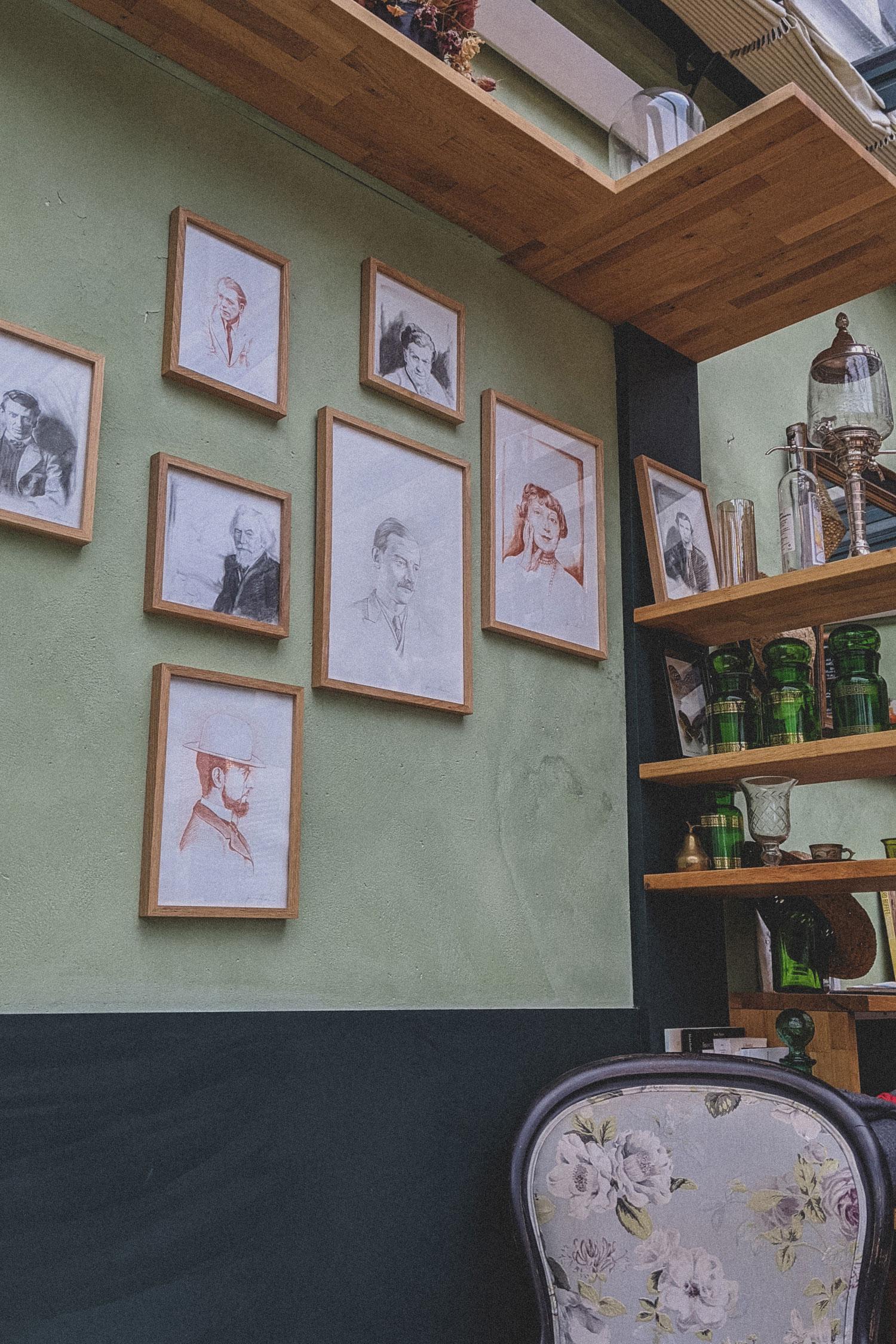 Cafe-Renoir-Musee-de-Montmartre-Paris (2)